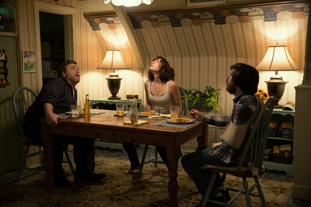 10-Cloverfield-Lane-2