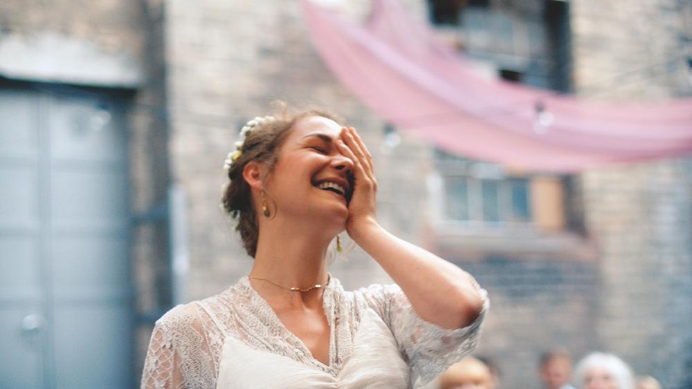 Milena (Luise Heyer) als Braut