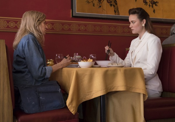 Jeannette Walls (Brie Larson) mit ihrer Mutter Rose Mary(Naomi Watts)