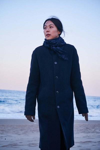 On_the_Beach_at_Night_Alone_Filmstill_34