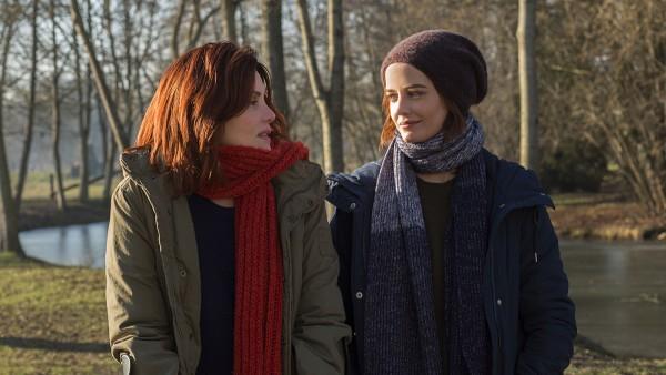 Delphine (Emmanuelle Seigner) f¸hlt sich von Elle (Eva Green) verstanden.