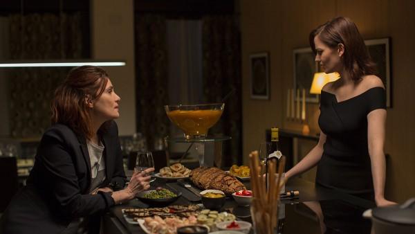 Elle (Eva Green) l‰dt Delphine (Emmanuelle Seigner) zu ihrem Geburtstag ein.
