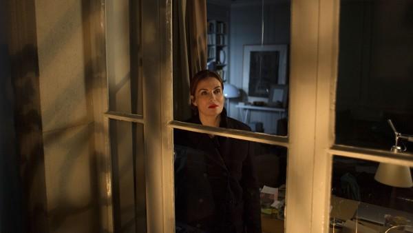 Delphine (Emmanuelle Seigner) f¸hlt sich beobachtet.