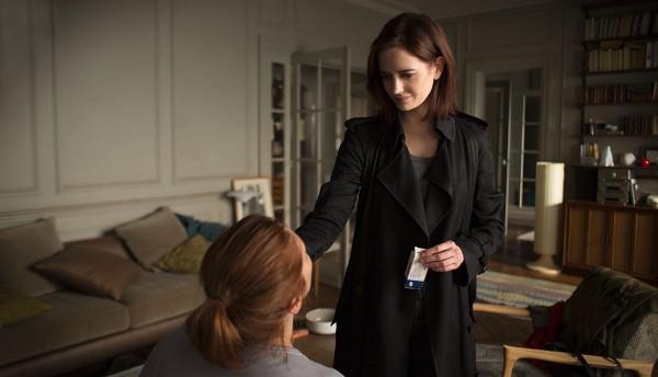 Elle (Eva Green) zieht bei Delphine (Emmanuelle Seigner) ein.