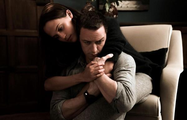 Alicia-Vikander-and-James-McAvoy-Submergence-movie